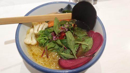 Vegane Ramen im Afuri, Shinjuku, Tokio, Japan.