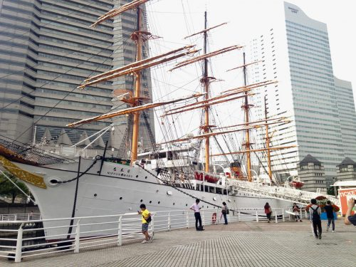 Das Museumsschiff Nippon Maru in Japan.