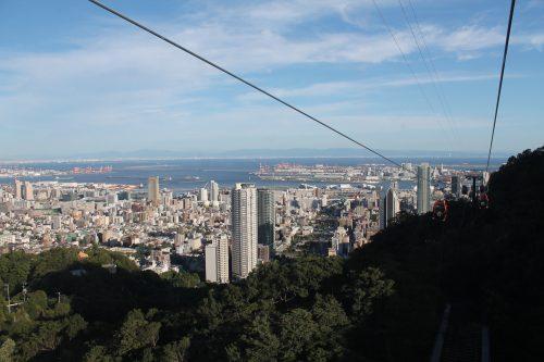 Die Shin-Kobe Seilbahn zum Berg Rokko und dem Nunobiki-Kräutergarten, Kobe, Präfektur Hyogo, Japan.