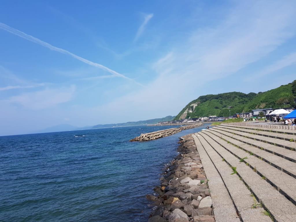 Die Küstenstadt Izumozaki an der Seaside Line in Niigata.