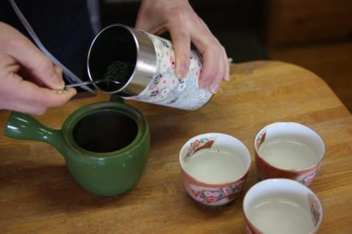 Grüner Tee frisch zubereitet.