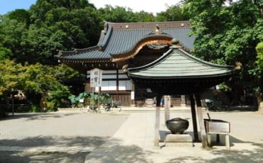 Der Jindaiji Tempel in Chofu.
