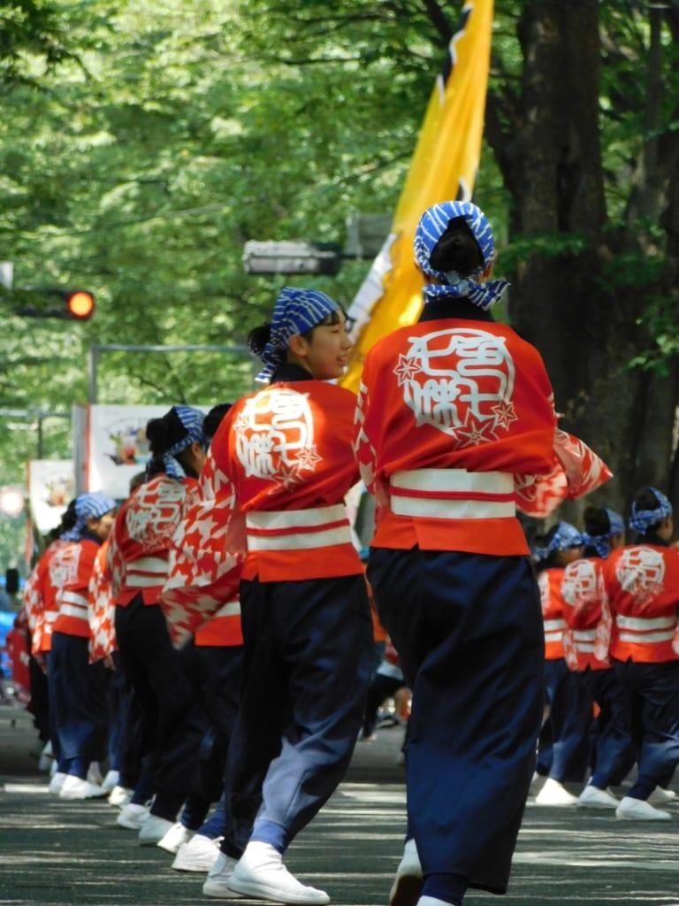 Traditionelle Happi mit dem Mon, dem japanischen Familiensymbol.