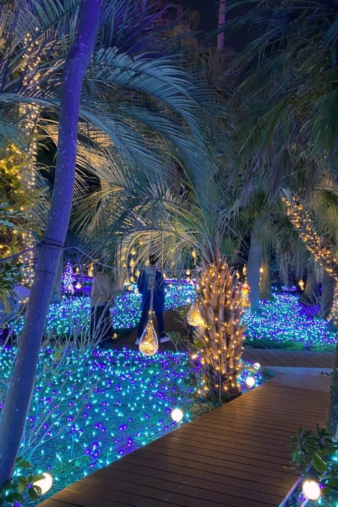 Ein beleuchteter Garten gehört zum Juwel von Shonan dazu.