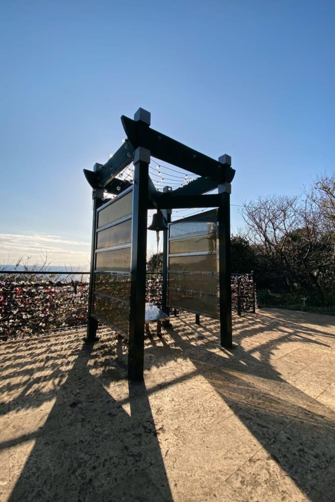 """Die """"Ryuren no Kane"""" - Glocke für Liebende - auf Enoshima."""