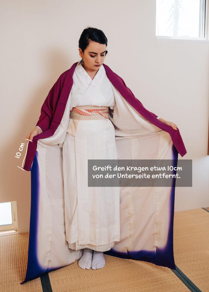 So zieht ihr einen Kimono an.