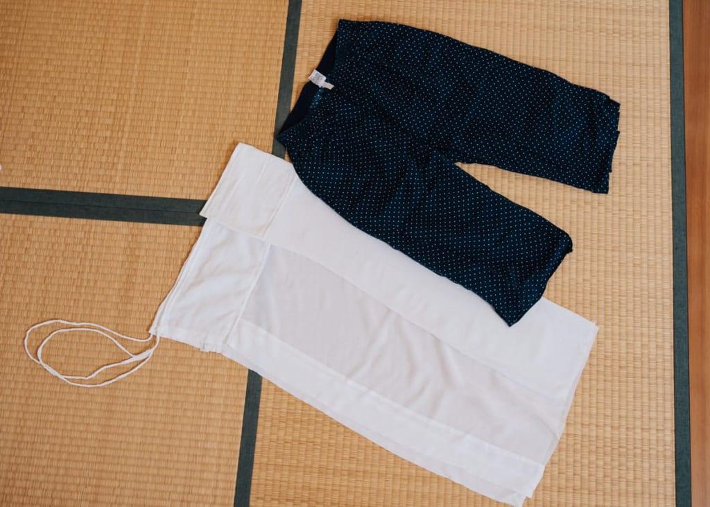 Susoyoke und lange Unterhosen.