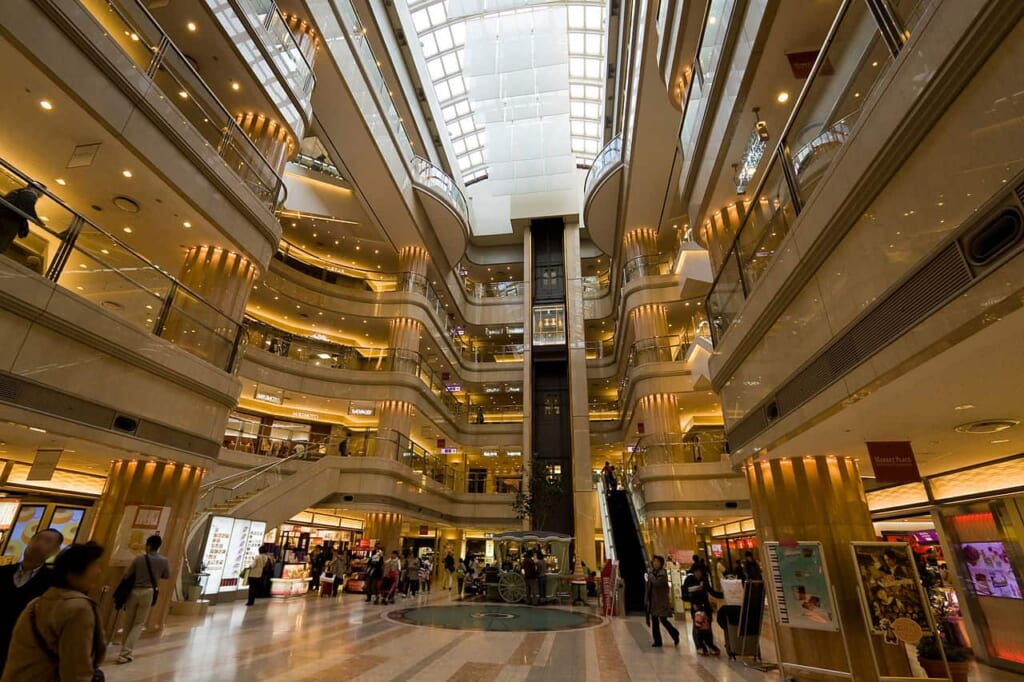 Japans Flughäfen, das Shoppingcenter im Flughafen Haneda