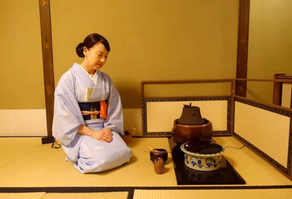 Die Teezeremonie gleicht einer aktiven Meditation.
