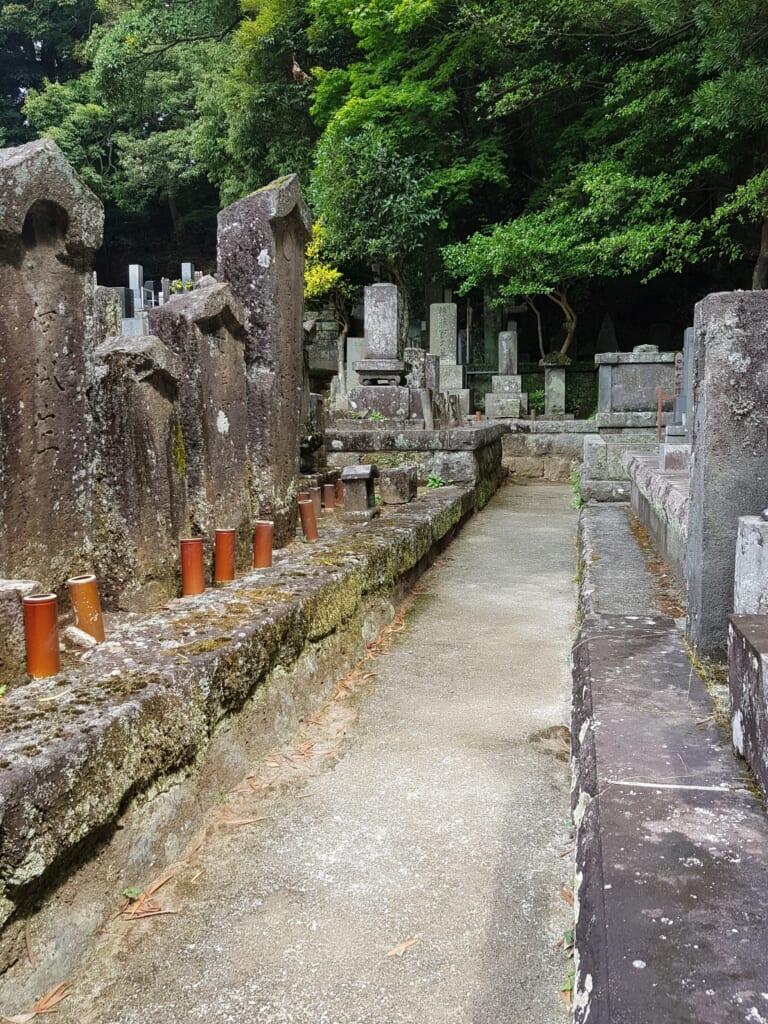 Ein japanischer Friedhof in Hakone.