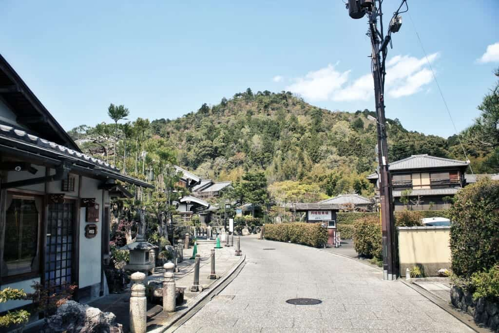 Der Beginn der historischen Straße in Saga Toriimoto, Arashiyama.