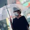 Der Mundschutz als modisches Accessoire in Japan.