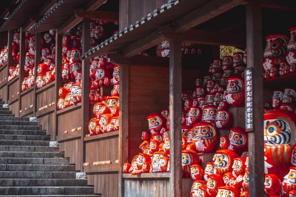 Katsuo-ji Tempel: Die Heimat des siegreichen Daruma