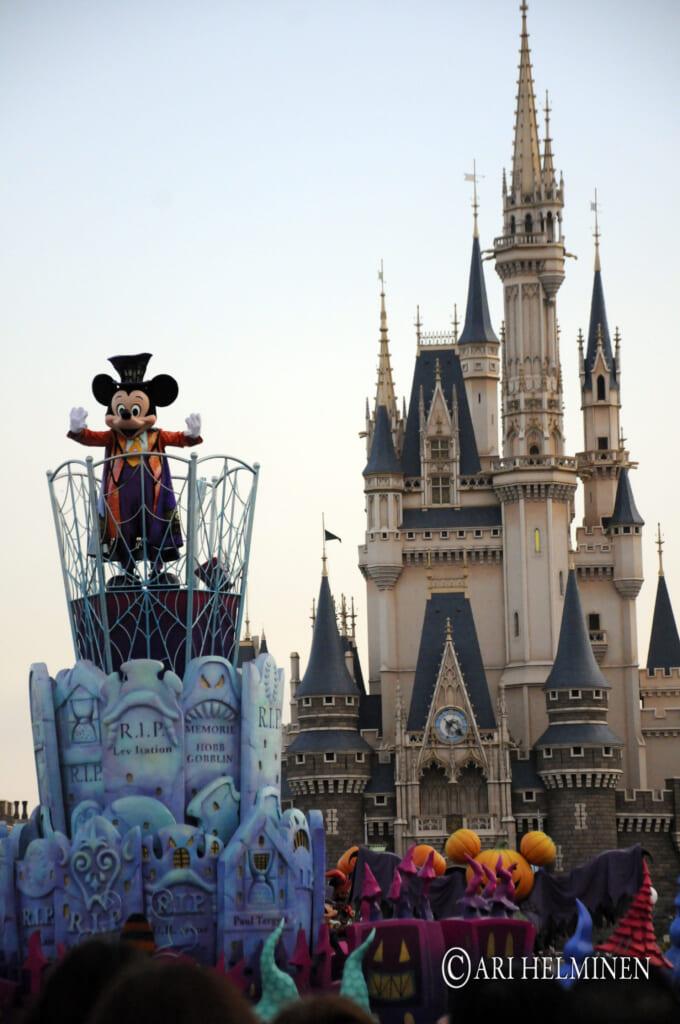 Die Halloween-Parade im Disneyland.