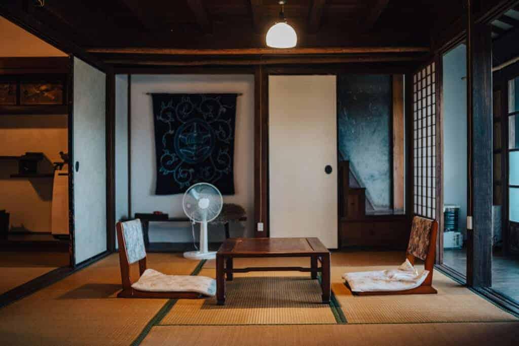 Ein Tatamiraum eines Kominka, ein Gästehaus auf der Insel Ojika.