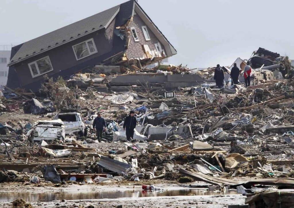 Zerstörungen des Erdbebens 2011 in Japan.