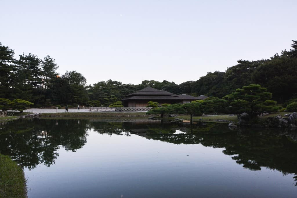 Der Ritsurin Park in der Präfektur Kagawa, Japan.