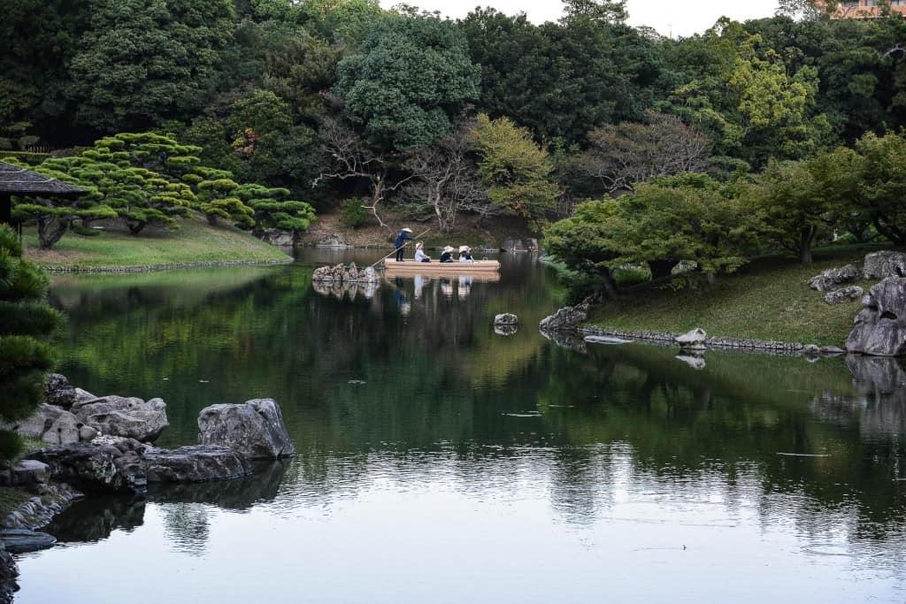 Der Ritsurin Park gehört zu den schönsten japanischen Gärten in Japan.