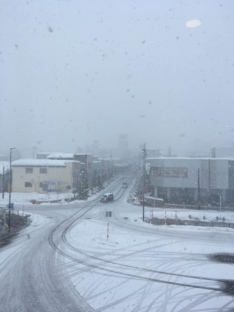 Schneefall in der Stadt Yuzawa in der Präfektur Akita.