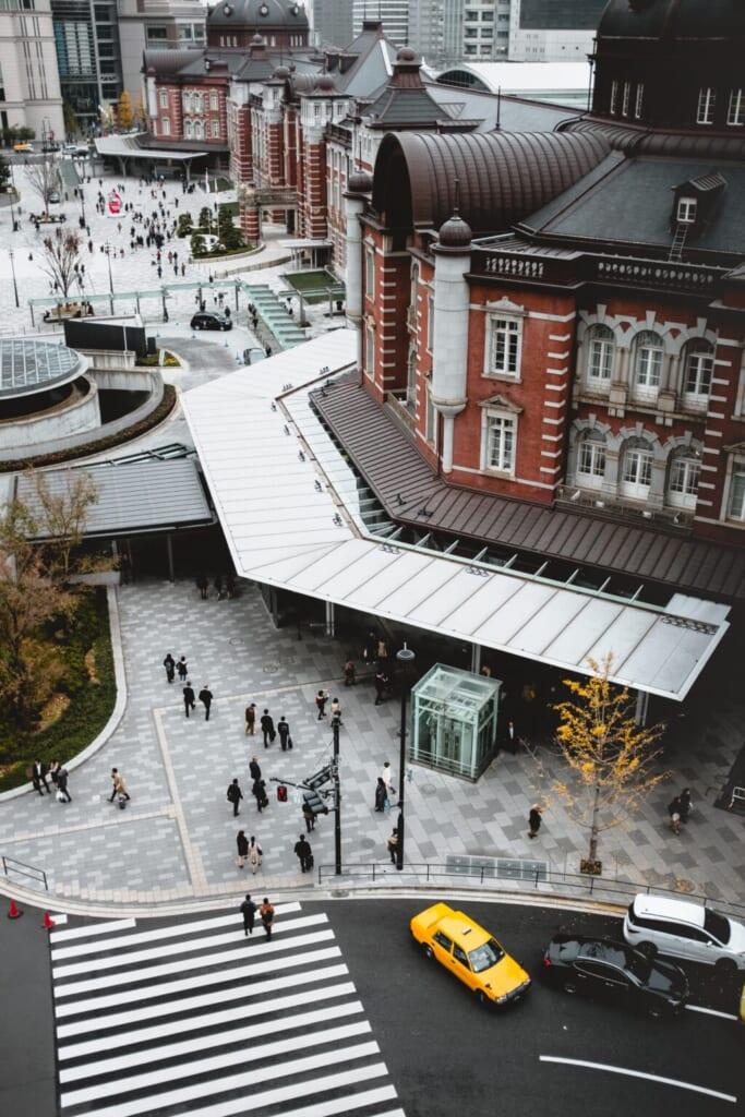 Außenansicht vom Bahnhof Tokio.