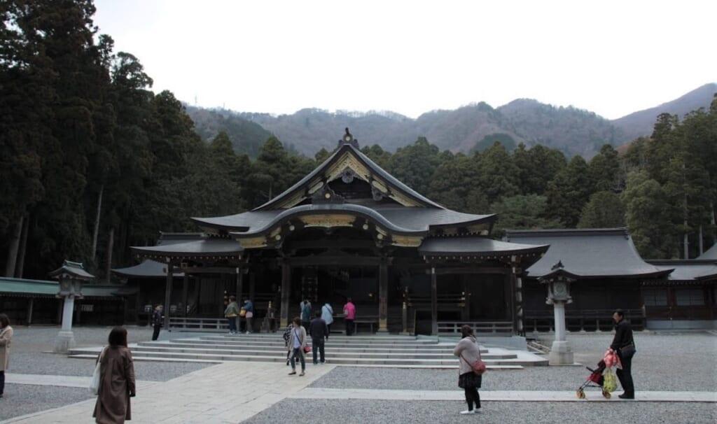 Der Yahiko-Schrein im Dorf Yahiko in der Präfektur Niigata.