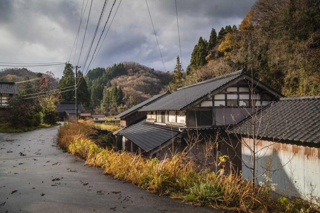 Die ländliche Gegend in der Präfektur Ishikawa, erreichbar mit dem Hokuriku Arch Pass.