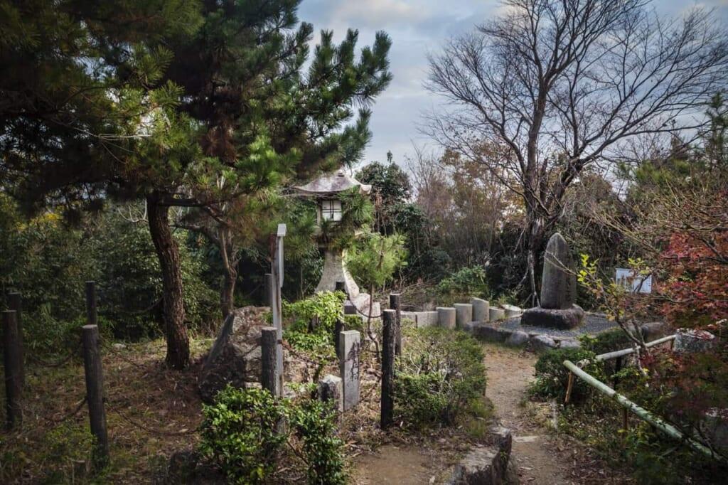 Auf dem Berg Tennozan, erreichbar mit dem Hokuriku Arch Pass.