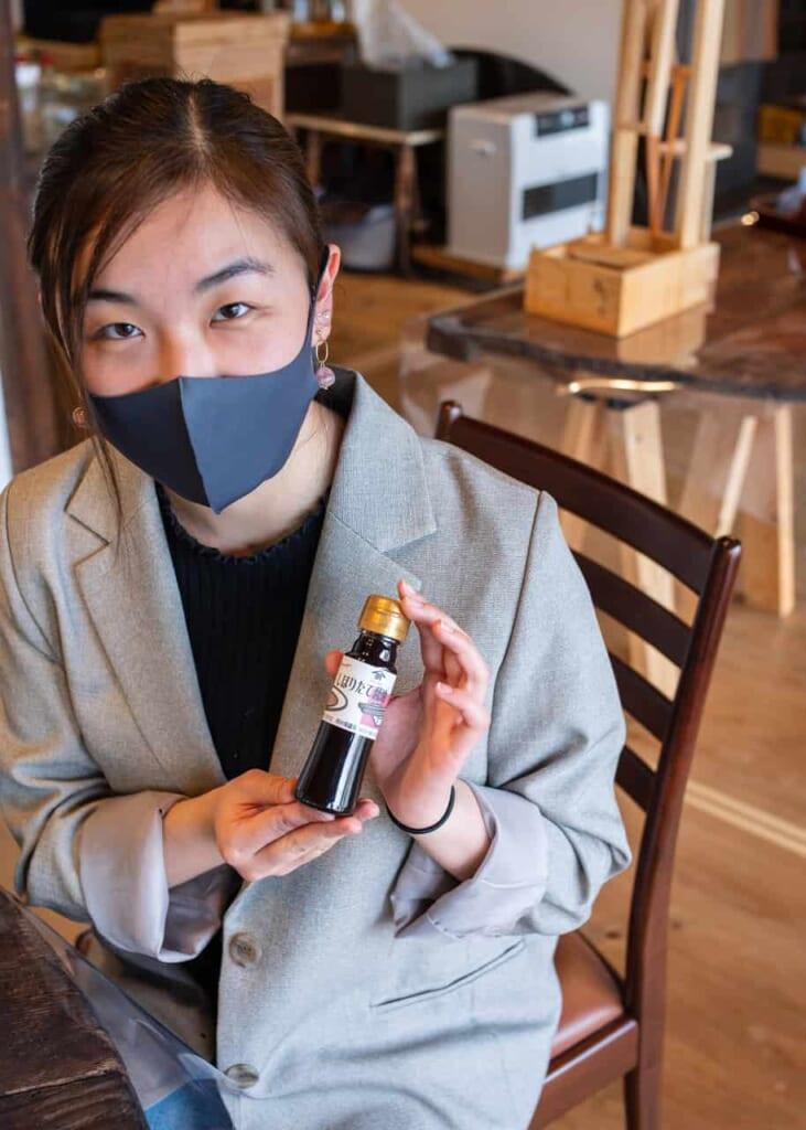 Selbstgemachte Sojasauce von Meijiya Shoyu.