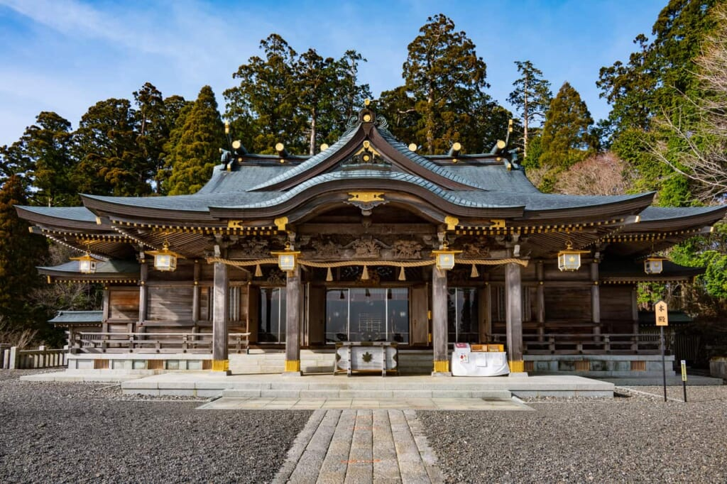 Hauptgebäude des Schreins Akihasan Hongu Akiha Jinja in Hamamatsu, Präfektur Shizuoka.
