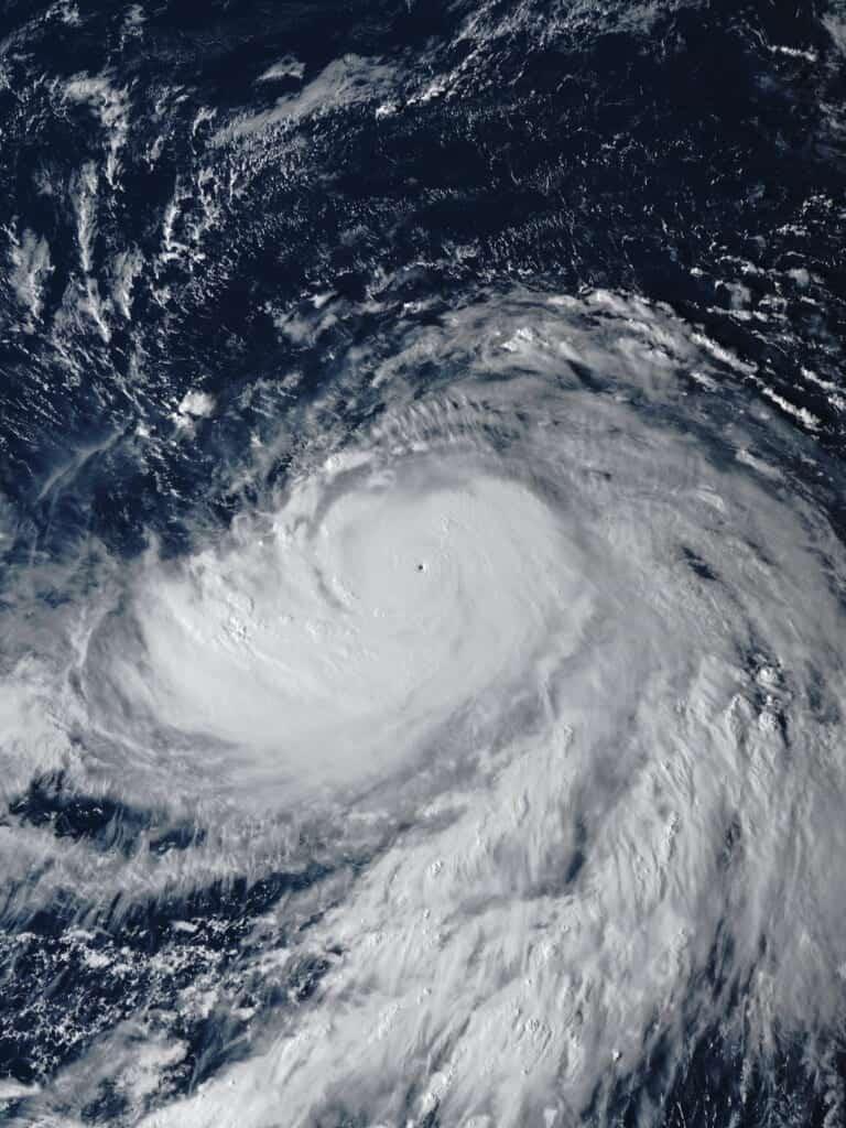 Taifune in Japan: Historie und was bei einem Taifun zu tun ist