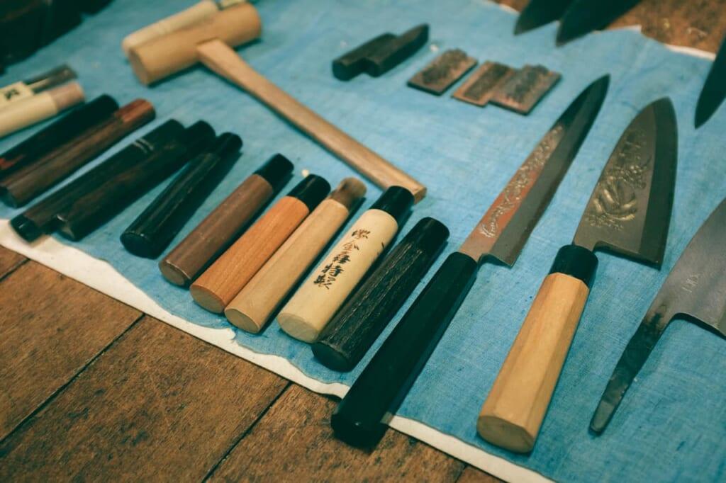 Lame e manici dei coltelli, negozio Wada, Sakai, Osaka, Giappone
