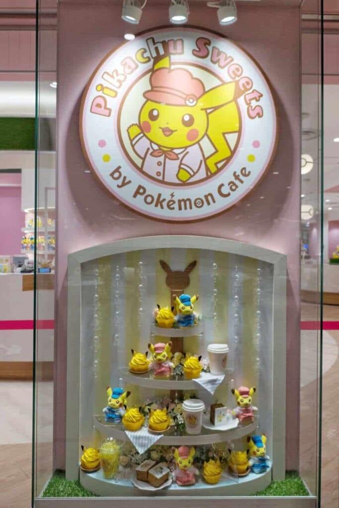 Vetrina della pasticceria Pikachu Sweets a Ikebukuro