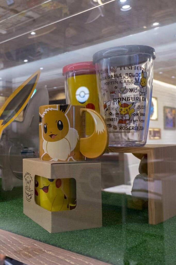 Tazze in vendita al Pokémon Cafe