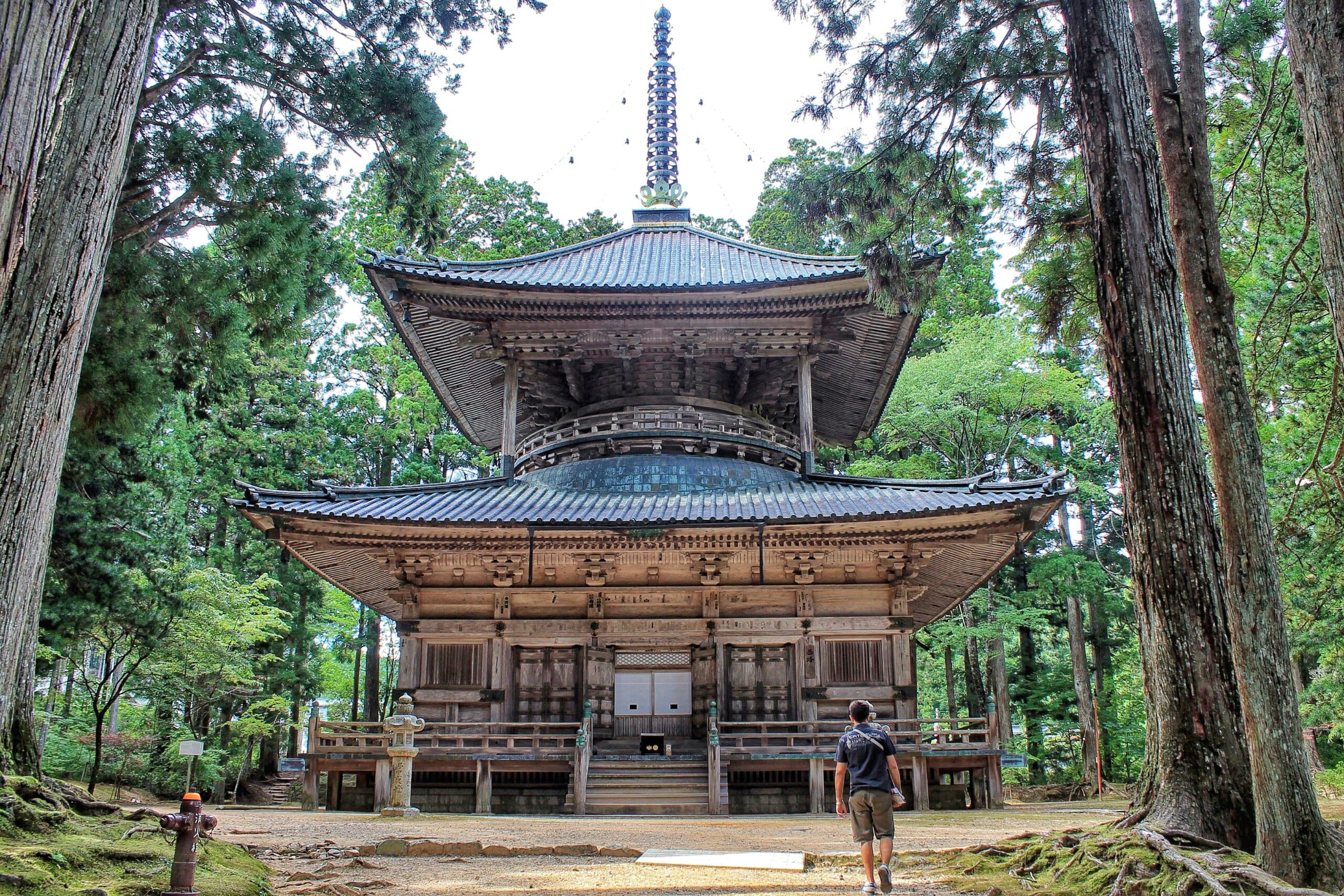 Viaggio al Koyasan: una Notte in un Tempio Giapponese